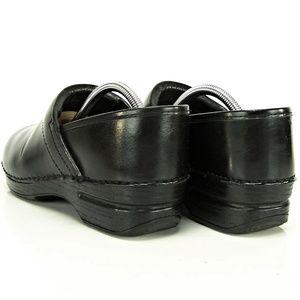 Dansko Shoes - Dansko Black Leather Professional Clogs  Siz 39